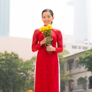Portrait of a Vietnamese woman in traditional dress