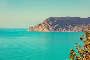 Wilde rocky sea coast. Ligurian sea, Cinqe Terre, Italy