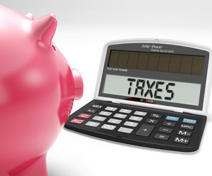 Taxes On Calculator Shows Income Tax Return