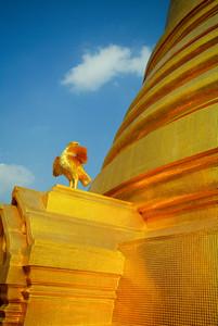 Thailand's gold pagoda landmark