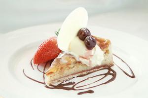 Traditional Bakewell Tart