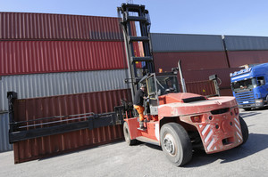 truck stacking cargo containers