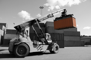 truck stacking containers