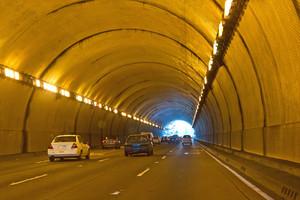 Tunnel Traffic