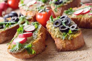 Vegetarian Italian Bruschettas