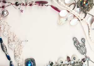 Vintage Jewellery Frame