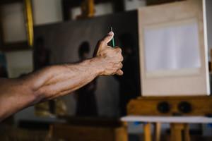 African American man preparing to sketch