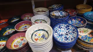 Colorful turkish ceramics in Spice Bazaar, Istanbul, Turkey