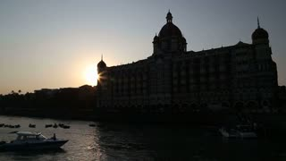 Sunset at the city bay in Mumbai.
