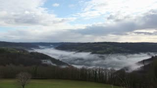 timelapse of mist over the dordogne valley in France