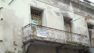 Buildings falling apart and vacant in Santo Domingo