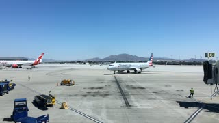 American Airlines plane arriving at McCarran International Airport 4k