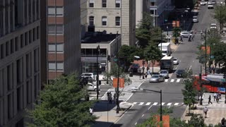 Busy streets with traffic and pedestrians of Washington DC 4k