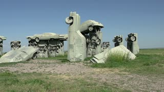 Cars forming Carhenge pan shot