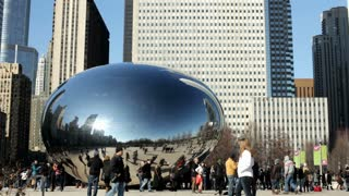 Cloud gate in downtown Chicago