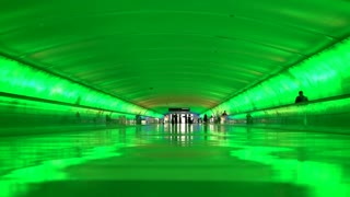 Connecting tunnel at Detroit Michigan airport with light show 4k