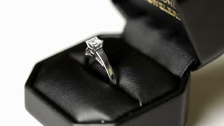 Diamond Ring rotating by in case