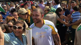 Diogo Nogueira preparing to carry torch in Rio 2016 4k