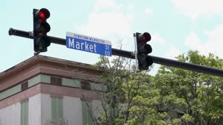 Downtown Wilmington Market street intersection light 4k