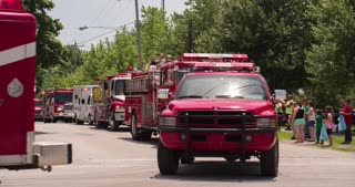 Emergency vehicles in 2014 Fayetteville Firemans parade 4k