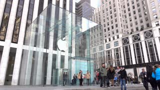 Entrance to New York City Apple Store location 4k
