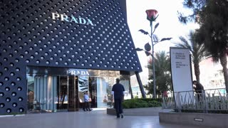 Entrance to Prada store on Las Vegas Blvd 4k