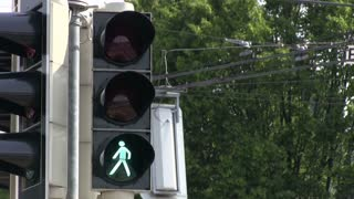 European crosswalk light goes from green to red
