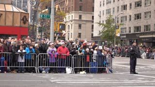 Fans watching 89th annual Macys Parade 4k