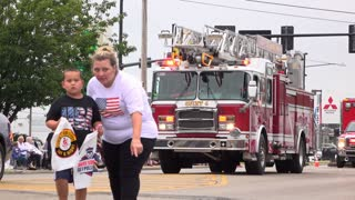 Fire truck and emergency vehicles in Parade 4k