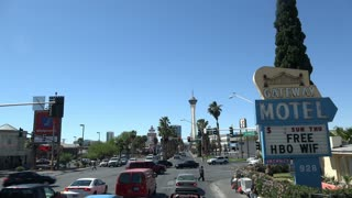 Gateway Motel at downtown Las Vegas intersection 4k