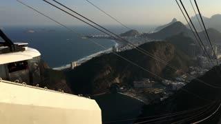 Gondola lift going down Sugarloaf Mountain in Rio 4k