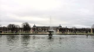 Grand Bassin Rond at Park near Louvre