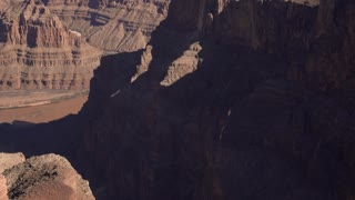Grand Canyon Valley establishing shot tilt 4k