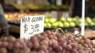 Grapes sold at outdoor farmers market 4k