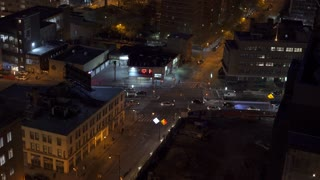 Intersection traffic in Brooklyn New York at Night 4k