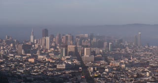 Large buildings in establishing shot of San Francisco 4k