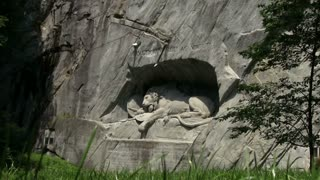 Lion of Lucerne low grass view
