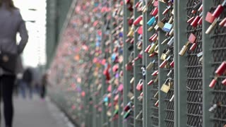 Locks on Hohenzollern bridge fence 4k