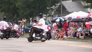 Mini motorcycles in July 4th parade Fairborn Ohio 4k