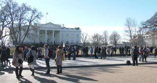 People gathered in front of White House to take selfies 4k