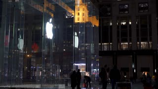 People visiting Apple Store during Holiday in New York City 4k
