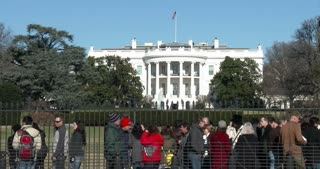 People visiting The White House front side 4k