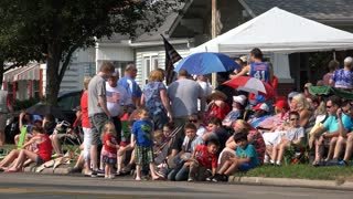 People waiting for July 4th parade 4k
