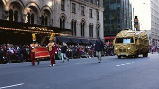 Planters Nutmobile in Macy's parade