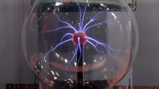Plasma Sphere with beams of light coming from center source 4k