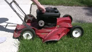 Pull starting lawn mower