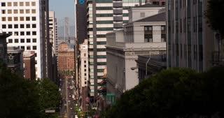 San Francisco traffic between buildings 4k