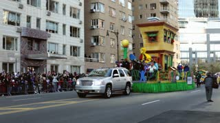 Sesame Street float in Macy's parade