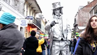 Silver man posing on bourbon street