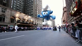 Smurf balloon in Macy's parade